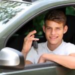 Junge Nutzer in der KFZ-Versicherung günstig unterbringen